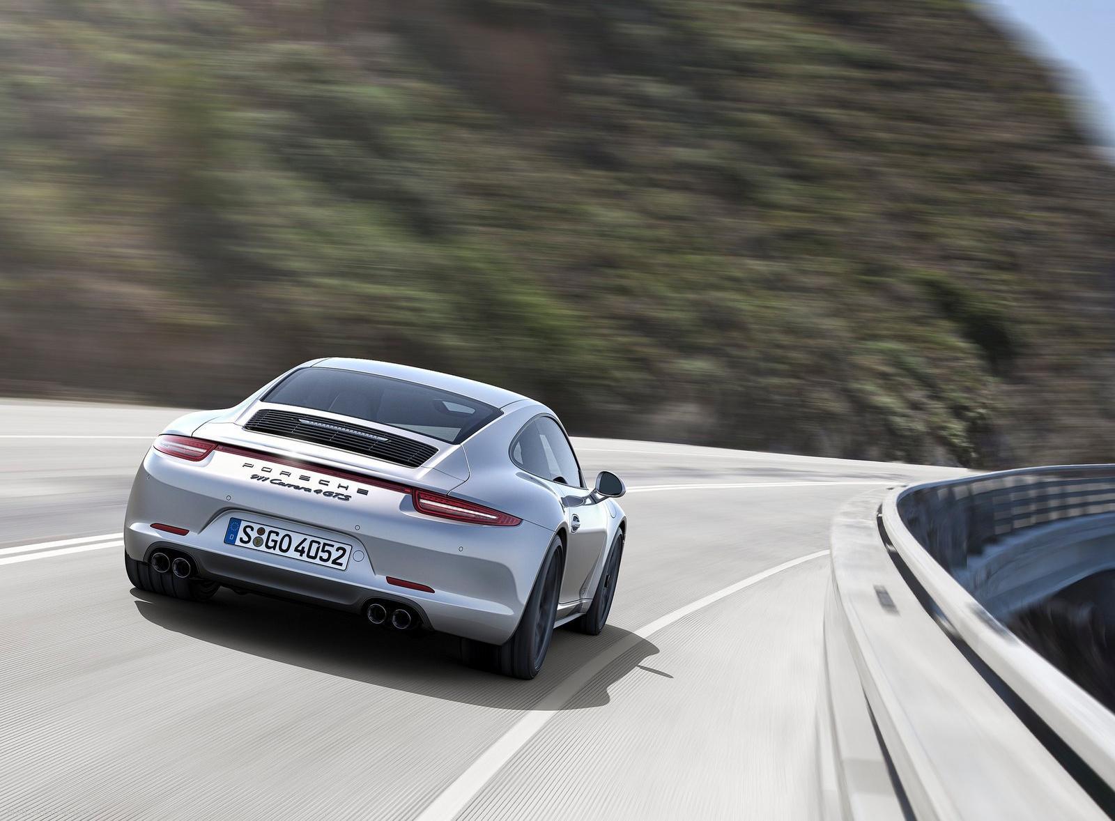 2015_Porsche_911_GTS