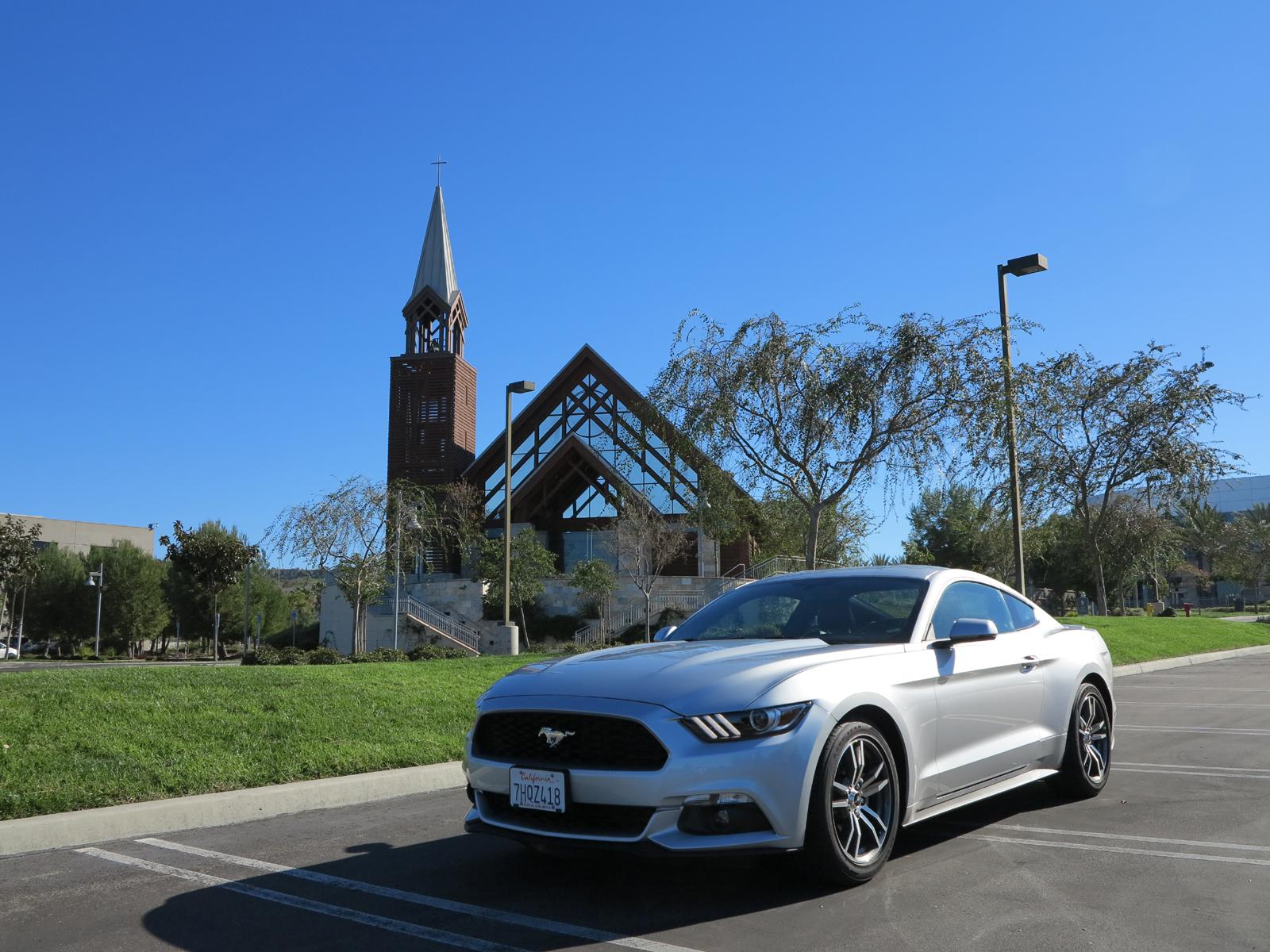 2015_Ford_Mustang_EcoBoost_6