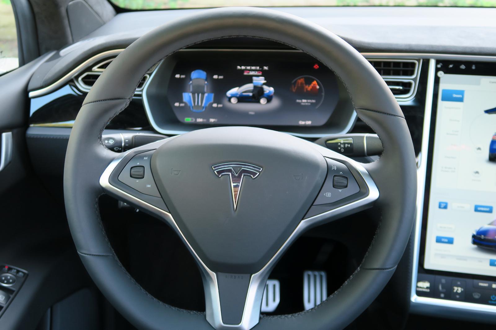 2016_Tesla_Model_X_19