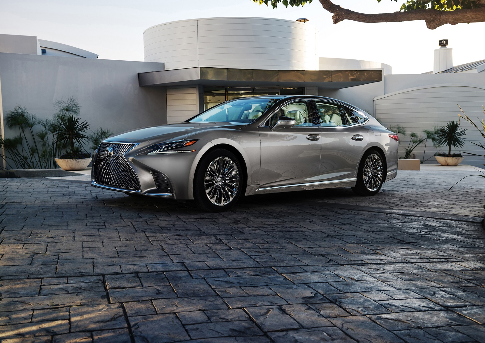 5th generation lexus ls will get v8 variant in the future youwheel lexus freerunsca Choice Image